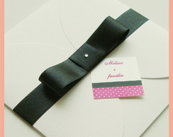 Convite envelope branco com la�o preto