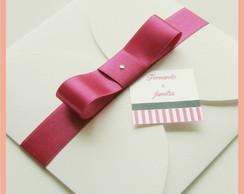 Convite envelope branco com la�o pink
