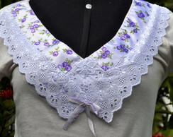 Camisetas com bordado ingl�s e fita