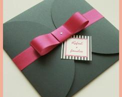 Convite envelope preto com la�o pink