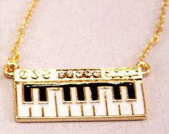 Colar Piano Folheado Strass