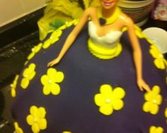 bolo boneca com pasta americana