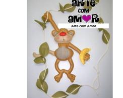 Macaco pendurado no cip�