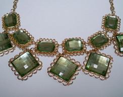 Maxi Colar Dourado Com Pedras Verdes