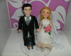 Casal de noivinhos com pet