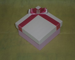 Caixa MDF 10x10 Cm com tinta e fita.