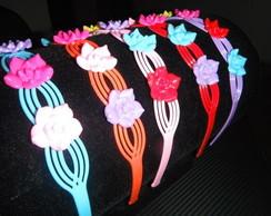 Tiara Pl�stica com Flores Coloridas