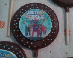 Pirulito Liga da Justi�a de chocolate
