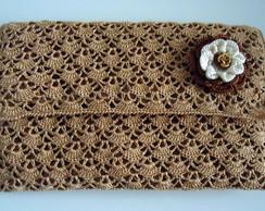 carteira de m�o com flor de crochet