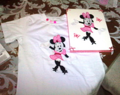 Camiseta Bordada c/ Caixa - Minnie