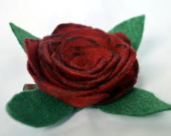 Broche/ Presilha Rosa Vermelha