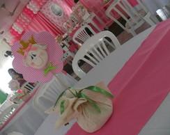 Arranjo de mesa festa bonecas ou jardim.