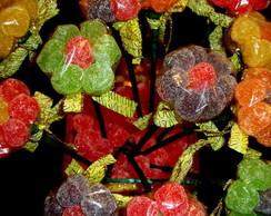 Cachepot com flores de bala de goma