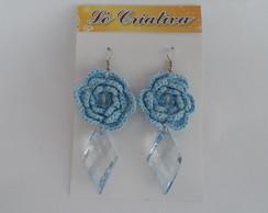 Brinco Azul de flor de croch�