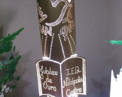 Lumin�ria Pomba com B�blia