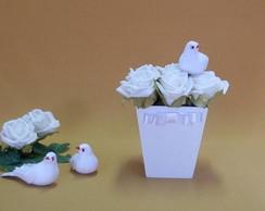 Vaso de Rosas com Pombinha