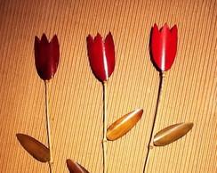 Trio de tulipas em bambu