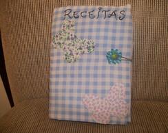 Caderno de receitas com capa em tecido.