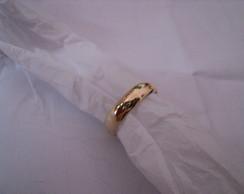 Alian�a em ouro 18k, Modelo Meia Cana...