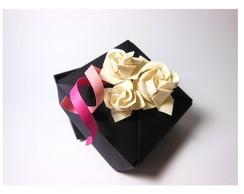Caixinha flor + �m� tsuru - Lembrancinha