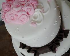 Bolo Casamento marrom com rosa