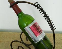 Porta garrafa de vinho em ferro forjado