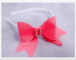 Tiara de lacinho rosa com strass