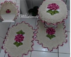 Jogo de banheiro com rosas e folhas