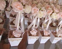 Topiara Proven�al / rosas grandes & tag