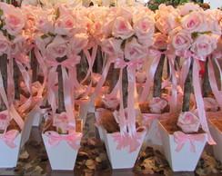 Topiara Proven�al com 12 rosas grandes I