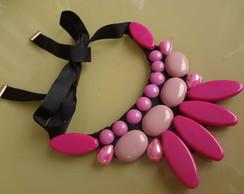 Maxi colar tons de rosa
