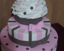 """Bolo Marrom E Rosa """"Cupcake"""""""