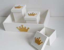 bandeja com 3 potes coroa dourada