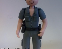 boneco policial de biscuit