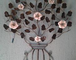 Arranjo floral grande de ferro forjado