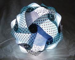 Lumin�ria de tecido azul
