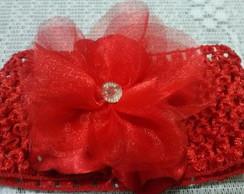 Faixa de cetim e organza vermelha.