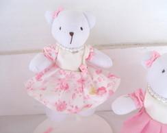 Ursa P, com Vestido Bege e Rosa