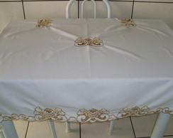 Toalha mesa rechilieu dourada