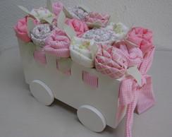 Carriola com bot�es de rosa