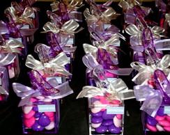 Caixa sapatinho com confete cora��o