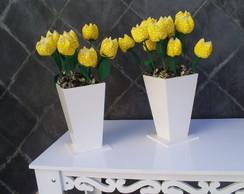 Aluguel de cachep�s com tulipas.