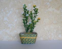 Arranjo Floral em Floreira de Sisal