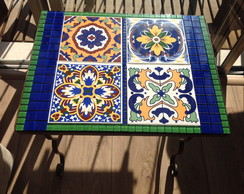 Tampo de mesa em mosaico