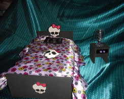 QUARTO DA MONSTER HIGH