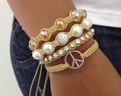 Kit pulseiras bege com s�mbolo paz