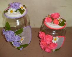 Conjunto de potes com rosas de biscuit