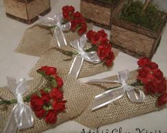 Porta guardanapos rosas vermelhas