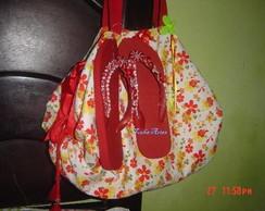 Jogo bolsa toalha com havaianas bordadas