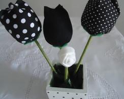 Jarrinho com tulipas de tecidos perfumado